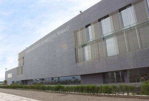 Facultad de Estudios Sociales y del Trabajo