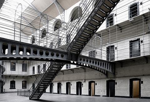 Instituciones Penitenciarias