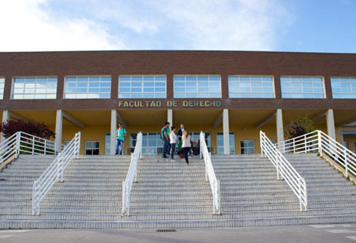 academias-unitec-estudios-Superiores-9-derecho